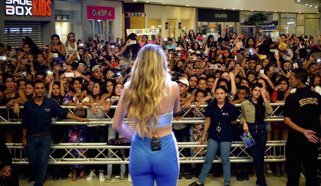 CORINA SMITH DEBUTÓ EN SAMBIL PARAGUANÁ